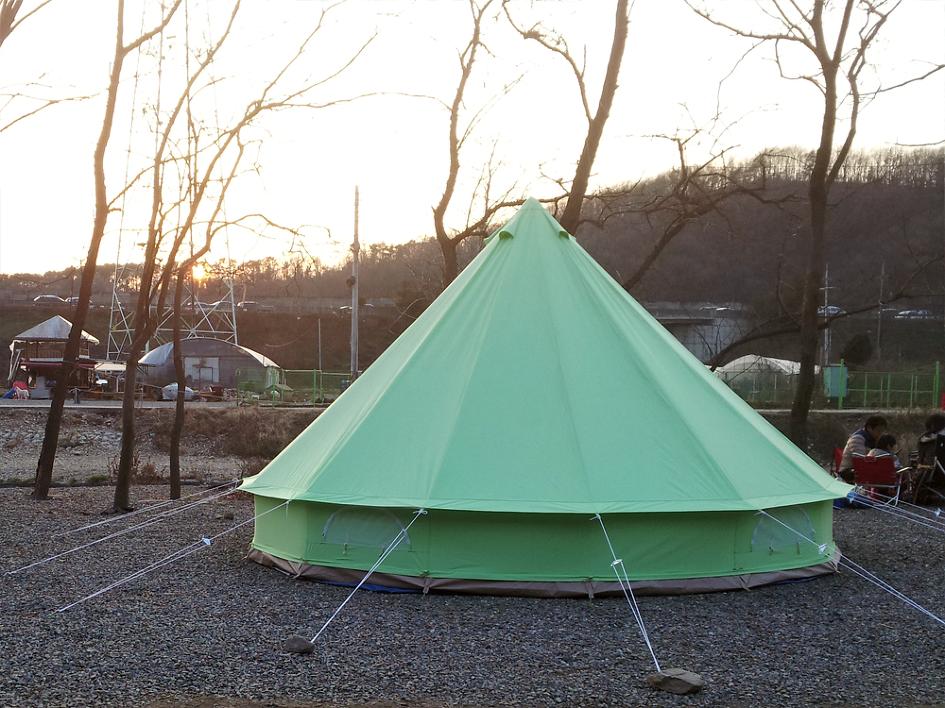 겨울캠핑장 반월저수지캠핑장의 모습