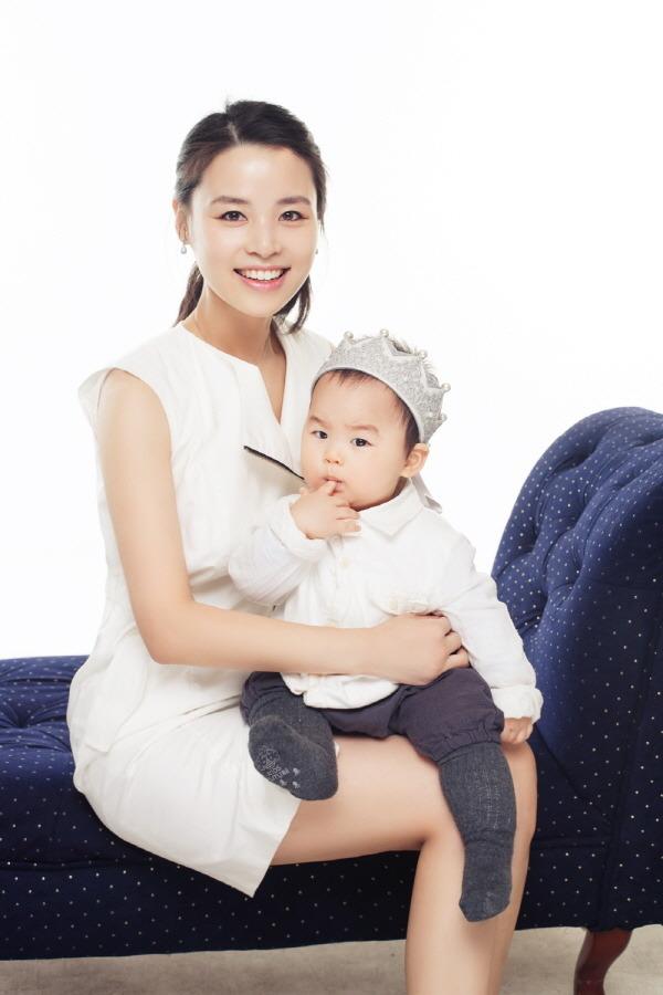 우린가족~.강남논현동여권사진잘찍는곳.강남논현동가족사진.블랙터치스튜디오