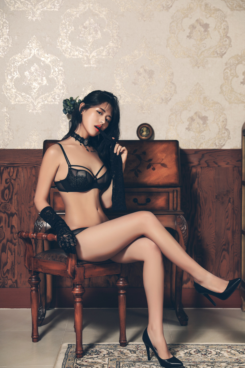 gorgeous Korean girl in lingerie